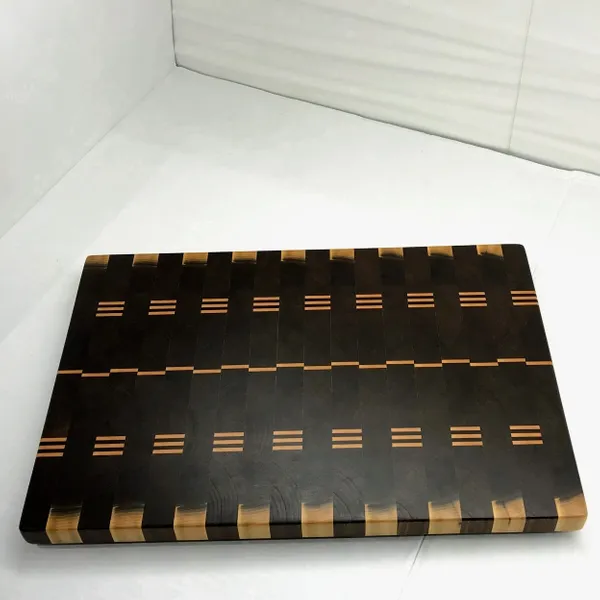 Medium Walnut End Grain Cutting Board 01